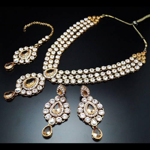Modern Indian Wedding Jewellery: Indian Wedding Jewellery With An Extravagance Of Modern